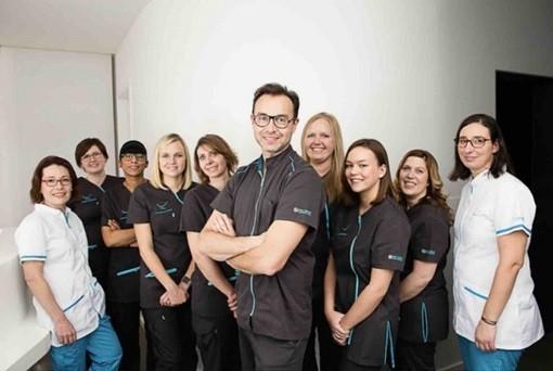 Dr Eric URSAT et toute son équipe du Cabinet d'Orthodontie